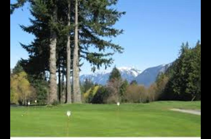 Gleneagles Golf Course. 5 minute drive from Ferry Walk House in Horseshoe Bay